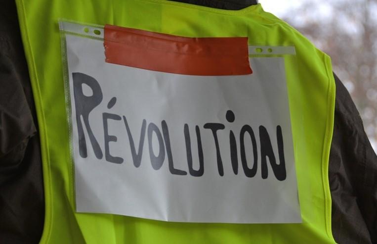 Pengertian Revolusi Menurut Para Ahli