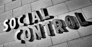 Pengertian Pengendalian Sosial | Tujuan, Ciri-Ciri, dan Fungsi Pengendalian Sosial !