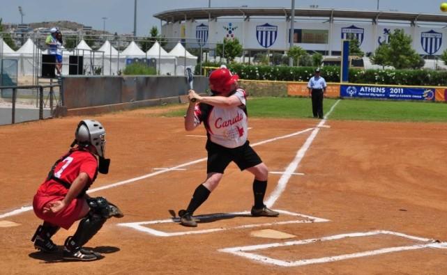 Pengertian Softball Lengkap Teknik Dasar Ukuran Lapangan Dan Cara Memainkannya
